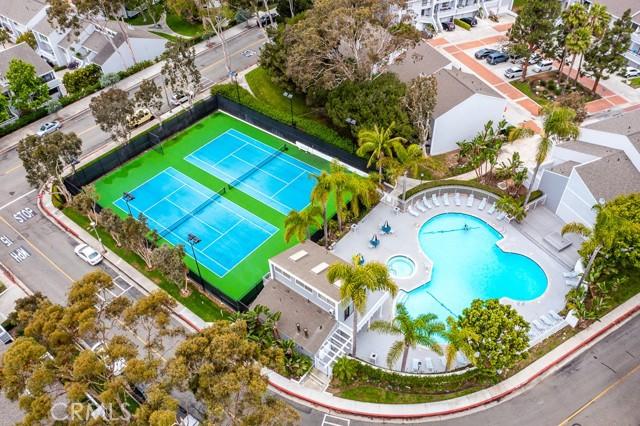 32. 18 Robon Court Newport Beach, CA 92663