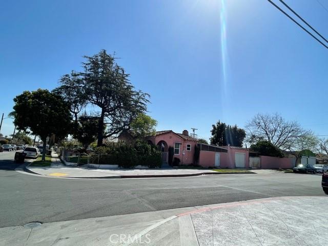 1160 W 102nd St, Los Angeles, CA 90044 Photo 4