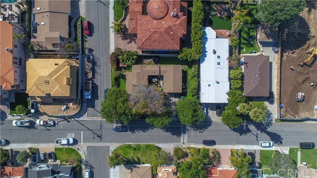 1560 1st Street, Manhattan Beach, California 90266, 1 Bedroom Bedrooms, ,1 BathroomBathrooms,For Sale,1st,SB18044858