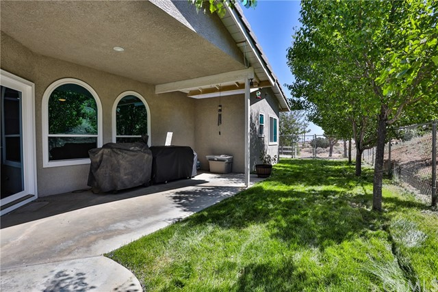 8071 Anaconda Av, Oak Hills, CA 92344 Photo 50