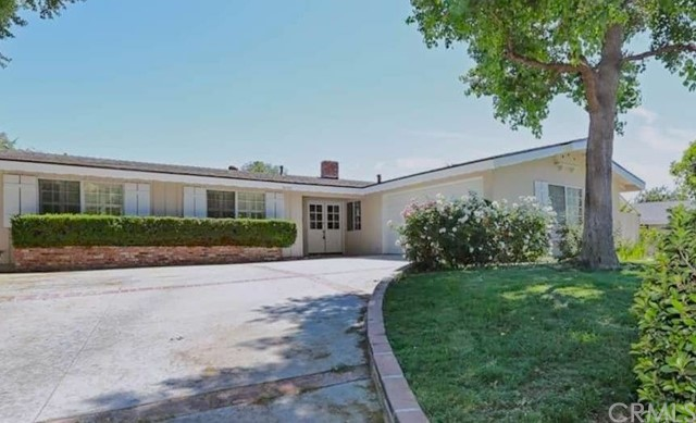 20752 Collins Street, Woodland Hills, CA 91367