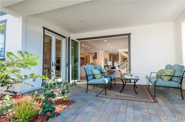 703 Avenue A, Redondo Beach, California 90277, 4 Bedrooms Bedrooms, ,5 BathroomsBathrooms,For Sale,Avenue A,SB17038656
