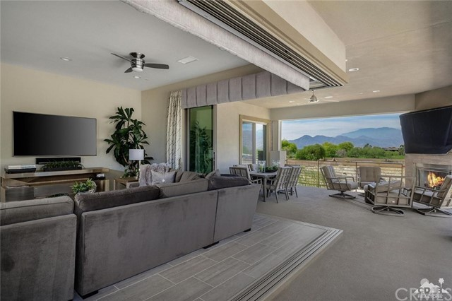 1304 Retreat Circle, Palm Desert, CA 92260
