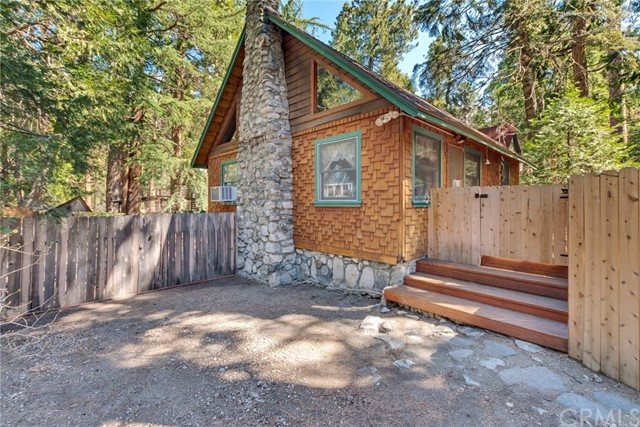 41024 Oak Drive, Forest Falls, CA 92339