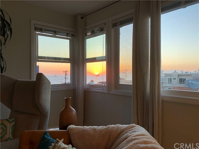 201 38th Pl, Manhattan Beach, California 90266, 2 Bedrooms Bedrooms, ,2 BathroomsBathrooms,For Rent,38th Pl,SB19048224