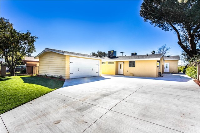 13081 Fellows Avenue, Sylmar, CA 91342