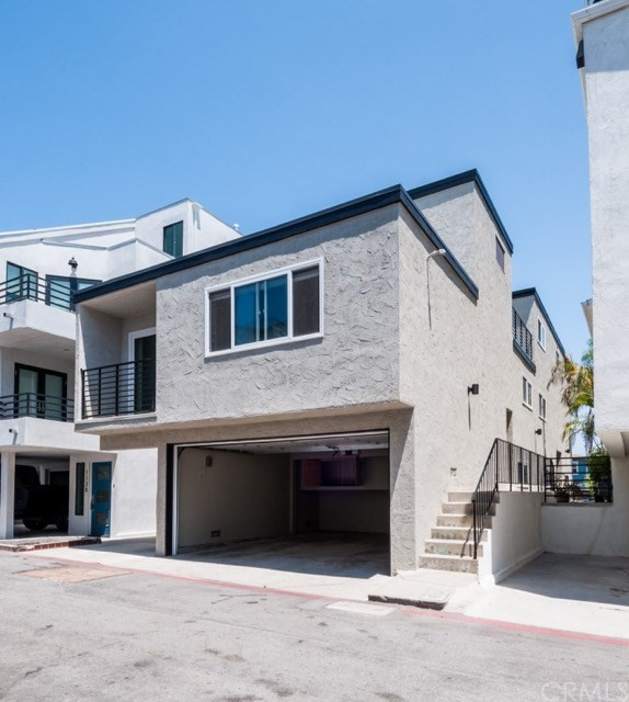 1127 Loma Drive B, Hermosa Beach, CA 90254