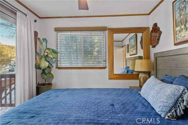 32866 Hilltop Bl, Arrowbear, CA 92382 Photo 14