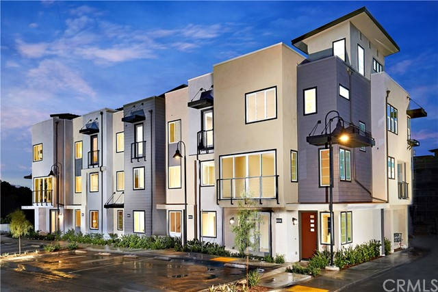 548 E Imperial Avenue 18, El Segundo, CA 90245