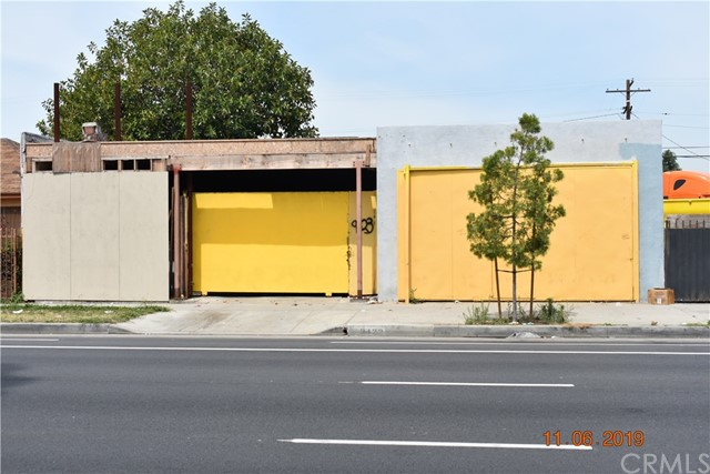 9423 S Vermont Avenue, Los Angeles, CA 90044