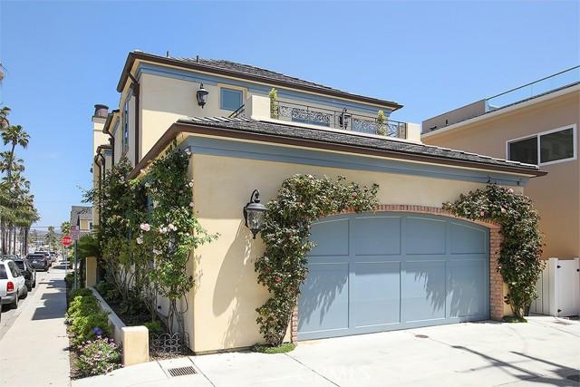 21. 127 Amethyst Avenue Newport Beach, CA 92662