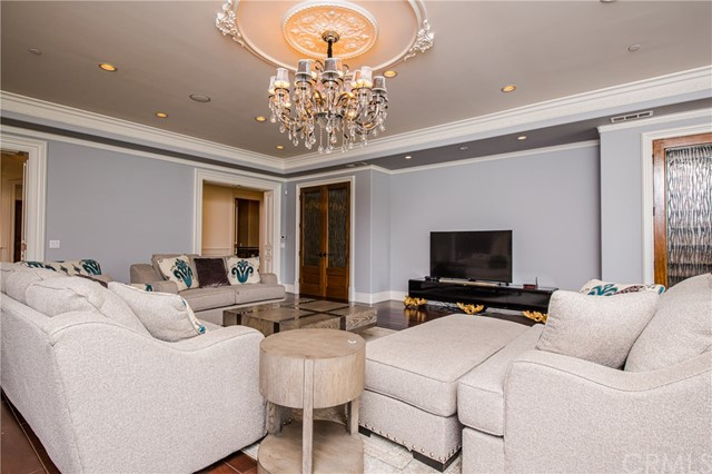 443 W Longden Avenue Arcadia, CA 91007