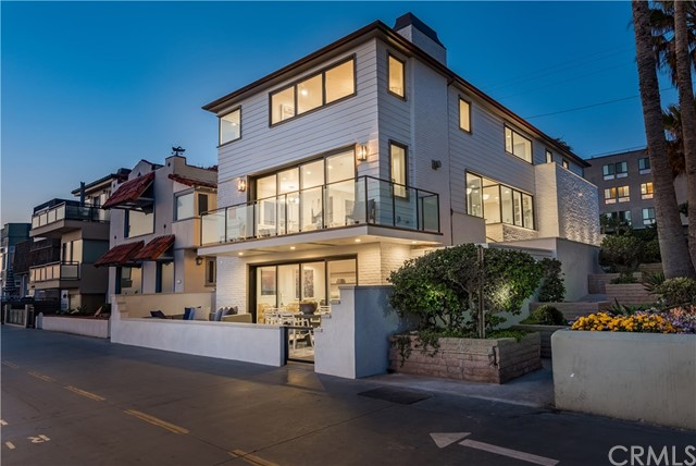 3330 The Strand, Hermosa Beach, California 90254, 5 Bedrooms Bedrooms, ,5 BathroomsBathrooms,For Sale,The Strand,SB18221247