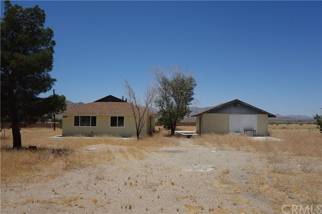 16962 Huff Rd, Lucerne Valley, CA 92356 Photo 3