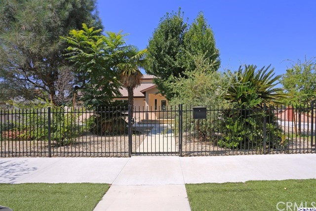 9319 El Dorado Avenue, Sun Valley, CA 91352
