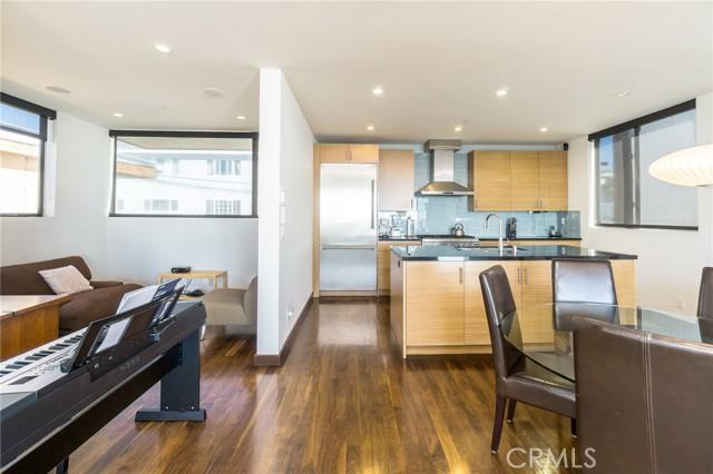 1310 Manhattan Avenue, Manhattan Beach, California 90266, 3 Bedrooms Bedrooms, ,4 BathroomsBathrooms,For Rent,Manhattan,SB21072596