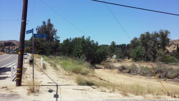 8 Johnson Ave, Val Verde, CA 91384 Photo 0