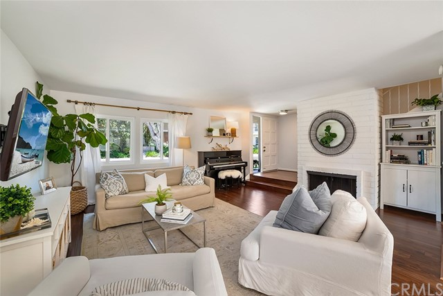 402 Vista Roma, Newport Beach, CA 92660
