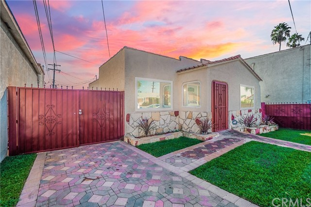 10316 S Denker Avenue, Los Angeles, CA 90047