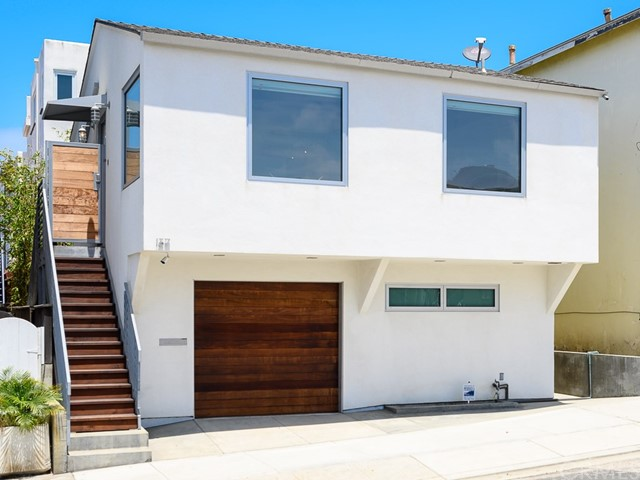 137 15th Street, Manhattan Beach, California 90266, 2 Bedrooms Bedrooms, ,2 BathroomsBathrooms,For Sale,15th,SB20127412