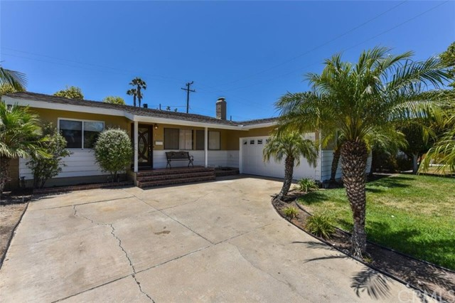 1431 Shamrock Lane, Costa Mesa, CA 92626
