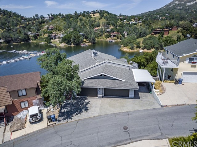 8213 Bass Point Road, Bradley, CA 93426