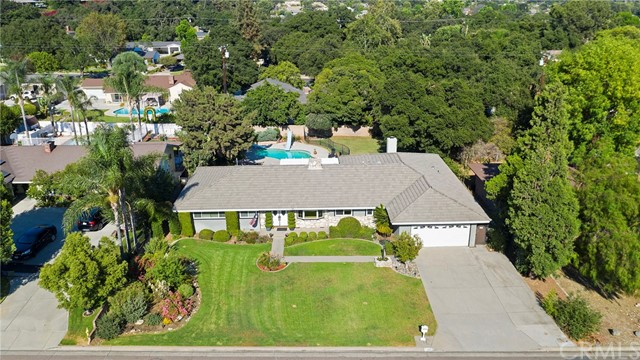 43. 306 N Valley Center Avenue Glendora, CA 91741