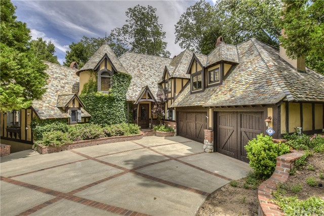 145 Pheasant Run, Lake Arrowhead, CA 92352