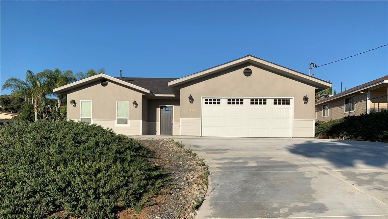 935 Iowa Street, Fallbrook, CA 92028