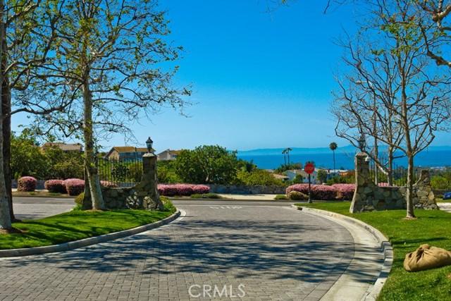 42. 2 Salzburg Newport Beach, CA 92660