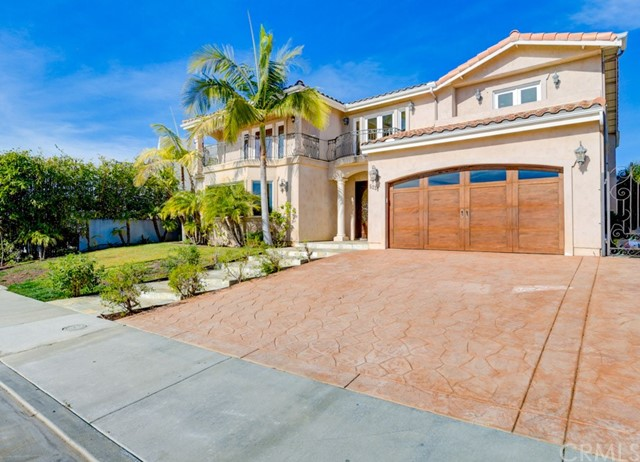 5251 Pacifica Drive, San Diego, CA 92109