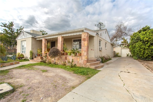 1533 W Civic Center Dr, Santa Ana, CA 92703