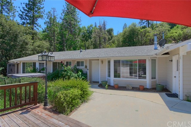41869 Yosemite Pines Drive, Oakhurst, CA 93644
