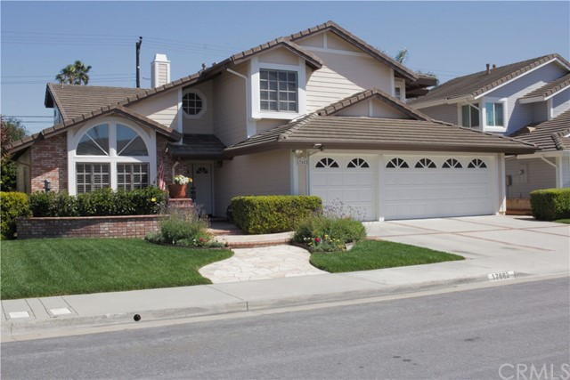 17682 Helenbrook Lane, Huntington Beach, CA 92649