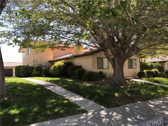 812 E Avenue J12, Lancaster, CA 93535