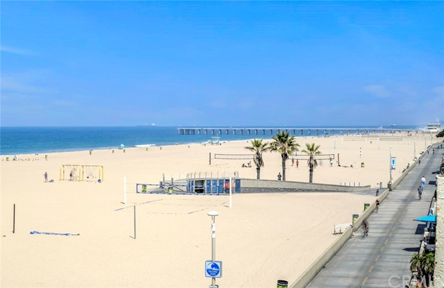 72 The Strand 5, Hermosa Beach, CA 90254