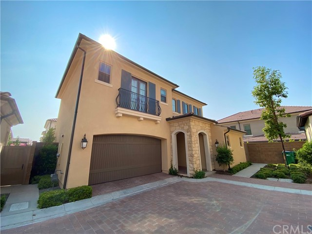 Detached condo Located in a very nice and quiet neighborhood of newly constructed Eastwood Village. Great Schools! End unit, alot privacies with Walk to beautiful parks, private community swimming pools, spas.