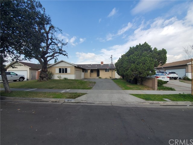 1809 E Briarvale Avenue, Anaheim, CA 92805