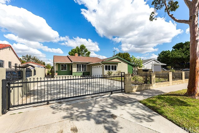 1685 W Highland Street, Santa Ana, CA 92703