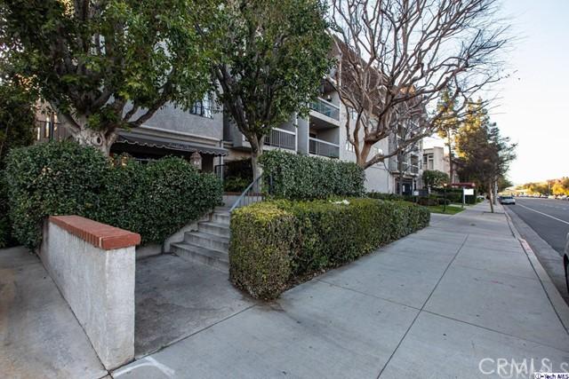 5339 Lindley Avenue 103, Tarzana, CA 91356
