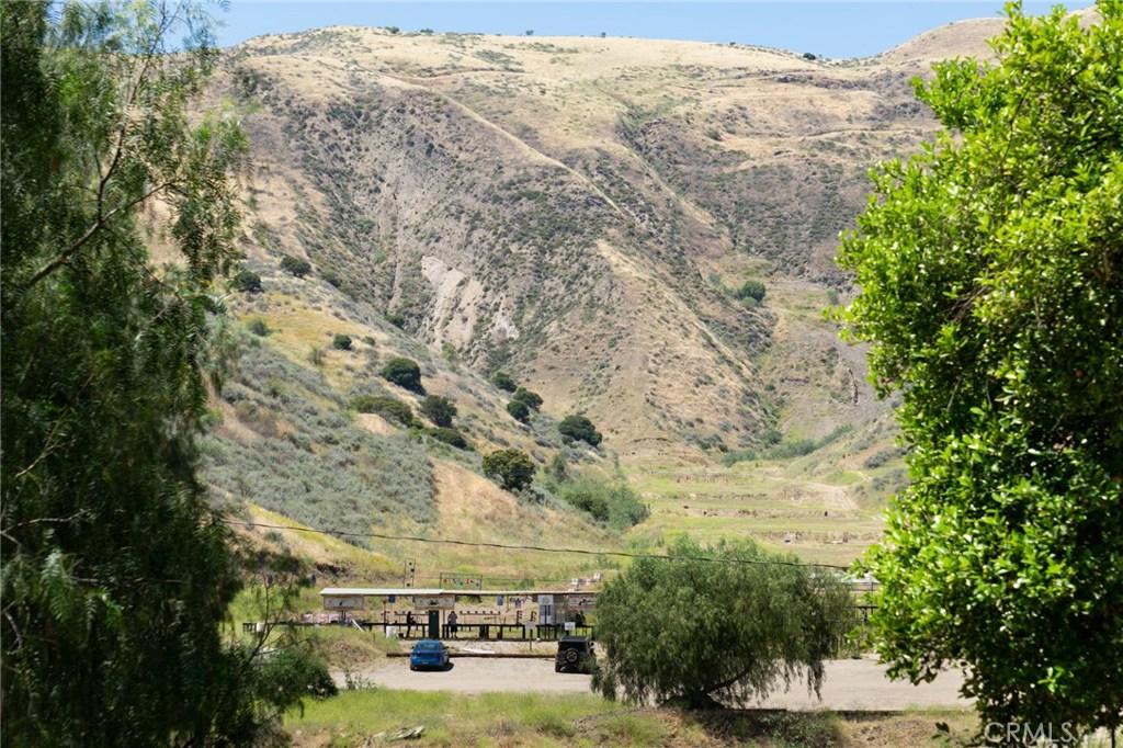 5822  Holser Canyon Road