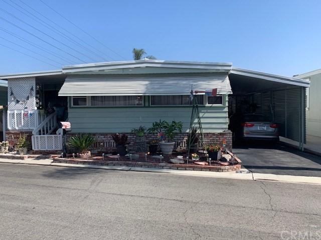 10001 Frontage Road W 214, South Gate, CA 90280