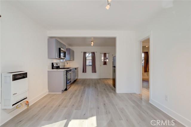 831 Loma Drive, Hermosa Beach, California 90254, 2 Bedrooms Bedrooms, ,1 BathroomBathrooms,For Rent,Loma Drive,SB21046079