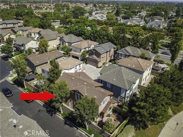 339 Flyers Lane, Tustin, CA 92782