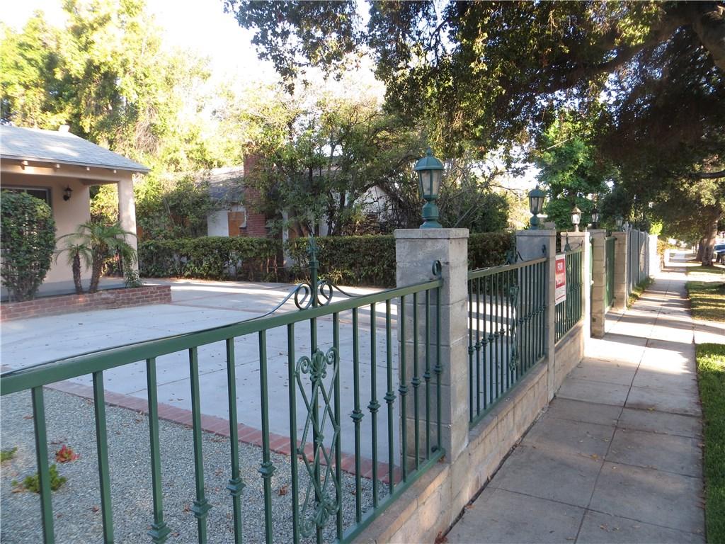 124 N Oak Ave., Pasadena, CA 91107 Photo 3