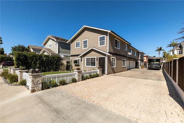 180  Merrill Place, Costa Mesa, California
