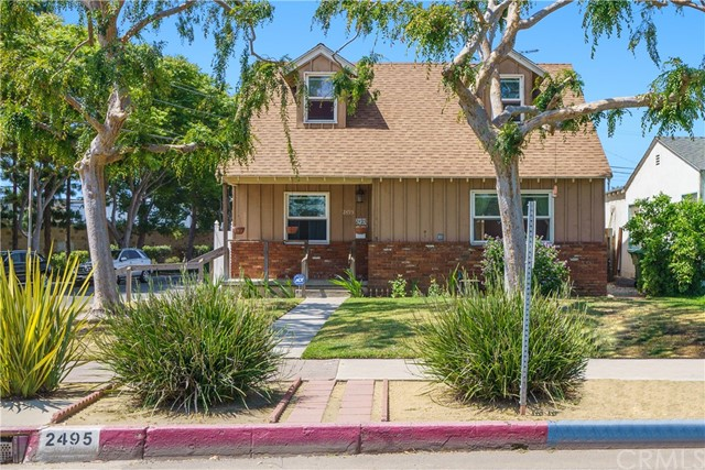 """Location, location, location!  This charming Venice home has a large, inviting front yard and sits on a corner lot on a beautiful tree-lined street.  This is a great opportunity for an investor or an owner-user who is looking to reinvent, remodel or rebuild. The property is being sold, """"as is."""" There are four bedrooms, two bathrooms, a living room, eat-in kitchen and a detached garage behind the backyard. The current home has a good floor plan for the buyer who wants to design and remodel a home to their own taste. This prime Venice location is just a few miles from the beach and some of LA's most popular restaurants, neighborhoods, and designer shops!"""
