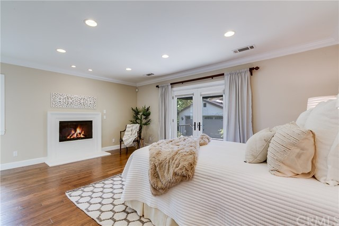 28. 1464 Oakdale Street Pasadena, CA 91106