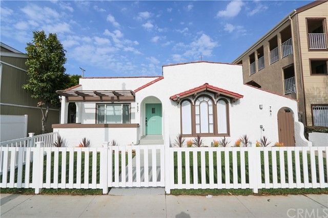 757 Redondo Avenue, Long Beach, CA 90804