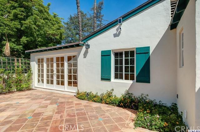 2054 Galbreth Rd, Pasadena, CA 91104 Photo 24